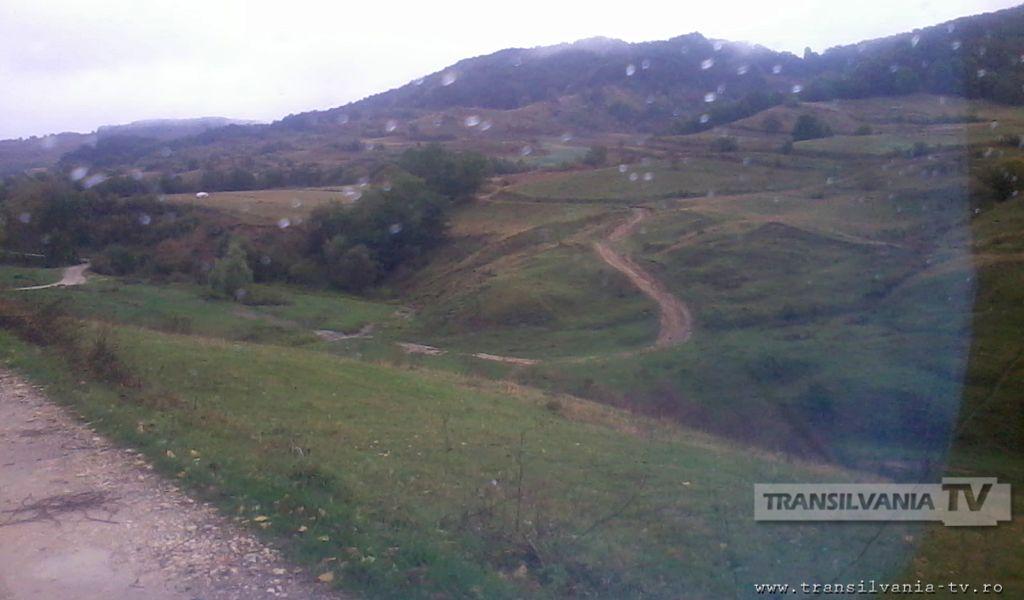 Valea Hranei – uliţă în locul drumului şi preot la trei săptămâni! (VIDEO – Galerie FOTO)
