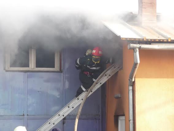 Incendii produse în Zalău, Someș Odorhei, Răstolț și Nușfalău