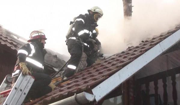 Trei incendii produse în ultimele 24 de ore în Zalău și Bobota, din cauza coșurilor de fum necurățate corespunzător