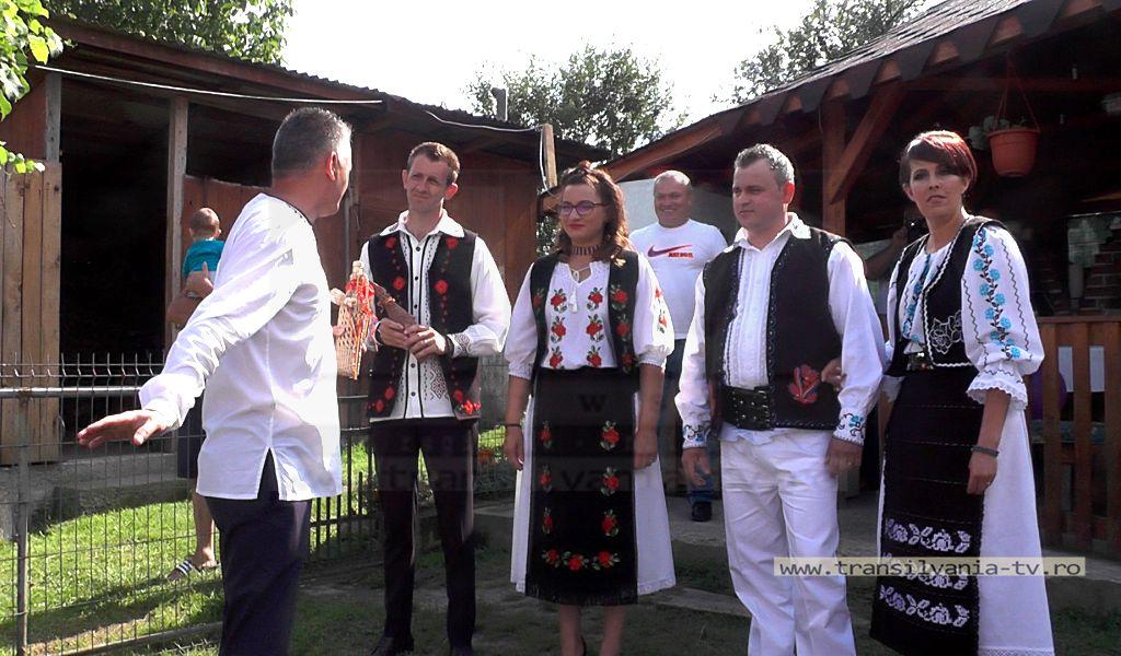 Nuntă tradiţională pe Valea Someşului. Port popular în locul  hainelor domneşti (VIDEO)