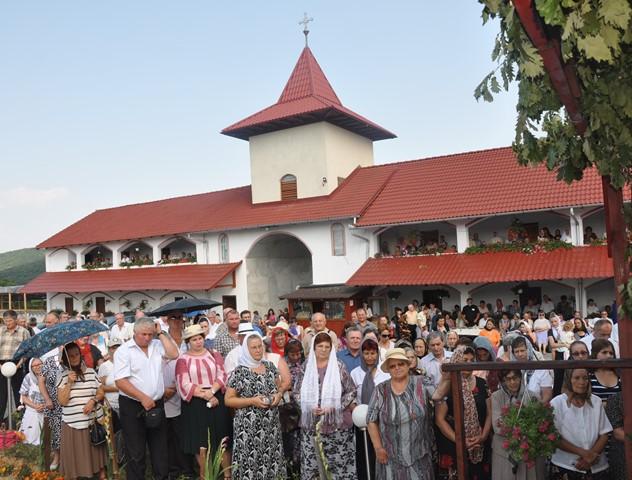 Biserica Mănăstirii Voivodeni a fost resfințită