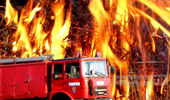 Incendiu la anexa unei gospodării din Meseșenii de Jos