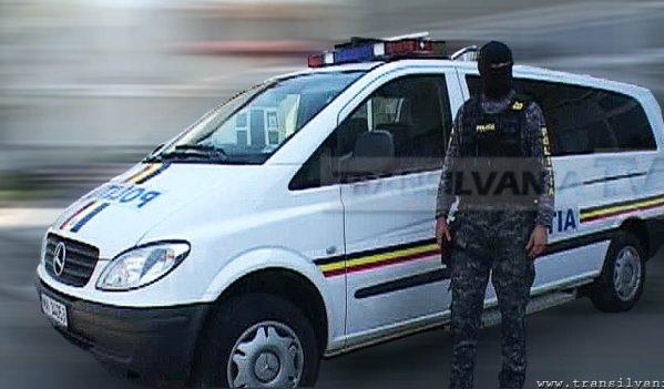 Percheziție efectuată de polițiști la locuința unui bărbat din Românași