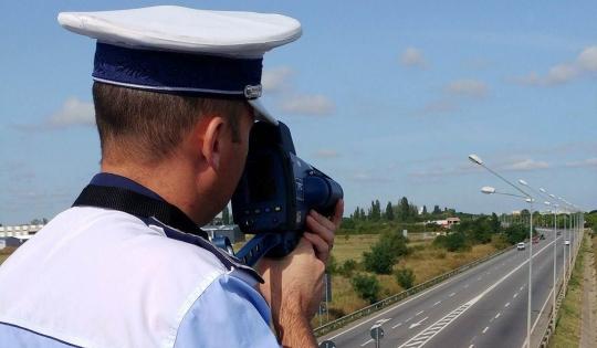 """Polițiștii sălăjeni de la rutieră, dotați cu radar tip """"pistol"""""""