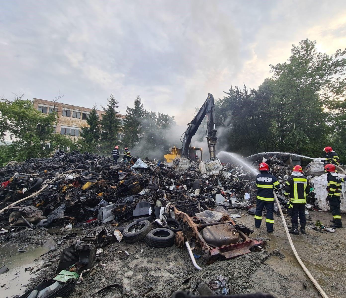 Incendiu la un depozit din Zalău