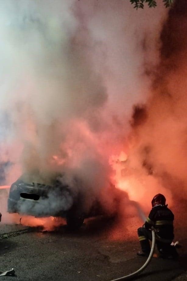 Incendiu la un autoturism produs în Zalău